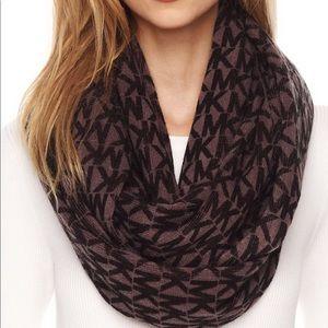 Michael Korda repeat logo infinity scarf